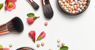 How to Clean and Sanitize Your Makeup Brushes<br/>روش تمیز کردن و استریل کردن برسهای آرایشی