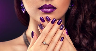 How to Get a Perfect Manicure<br/>چگونه یک مانیکور زیبا داشته باشیم